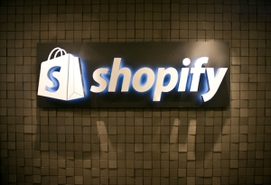 shopify powers your online web store